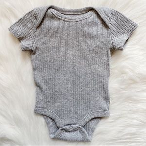 Baby Gap Grey Organic Cotton Onesie Size 0-3M